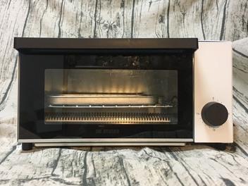 小資簡約風 家裡擺這台演繹優雅 ONE amadana 經典復古烤箱 STRT-0102 (三)